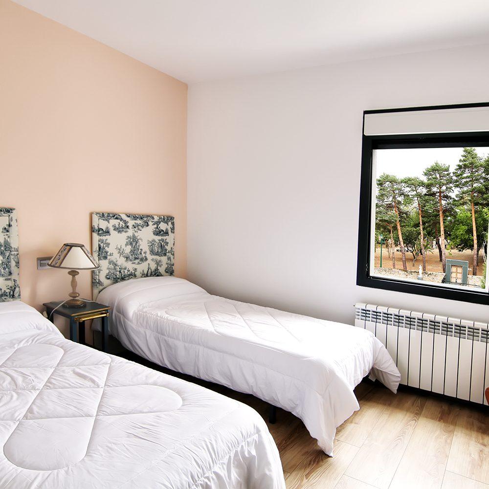 Habitacion-doble-2-Guardes-Sierra-Baja-Otero-de-Herreros-Segovia
