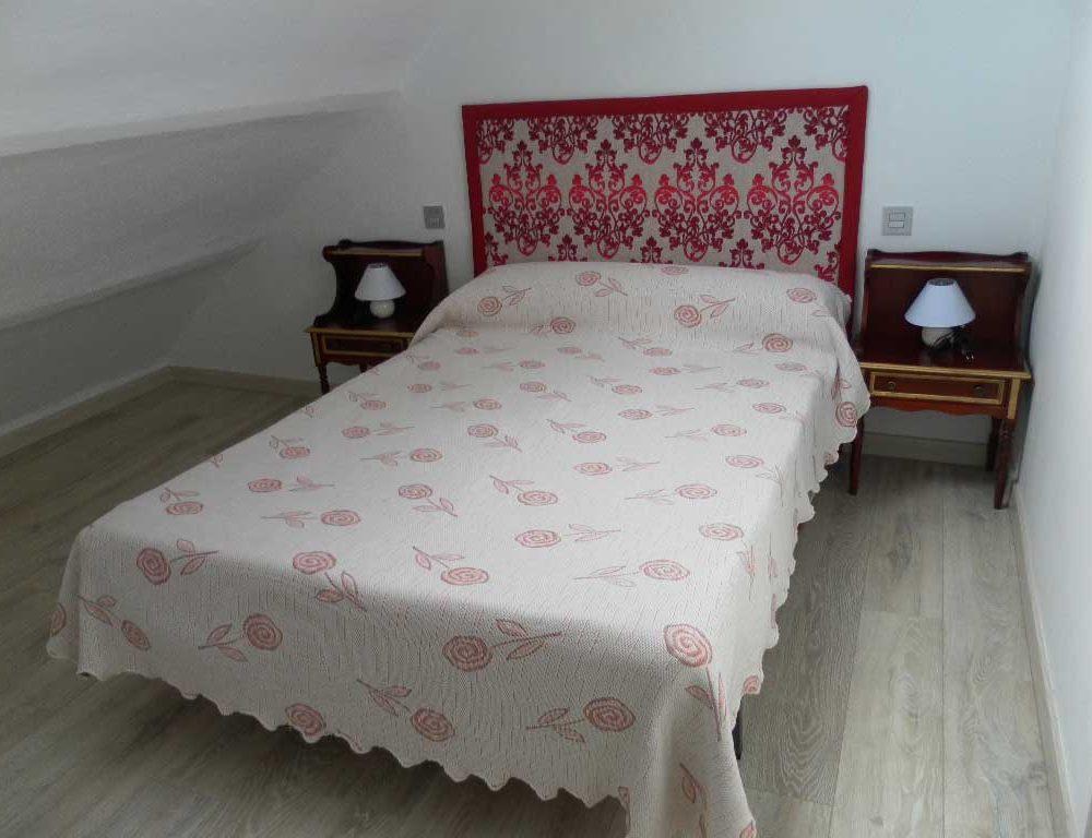 Cama-matrimonio-Horneros-3-Sierra-Baja-Otero-de-Herreros-Segovia