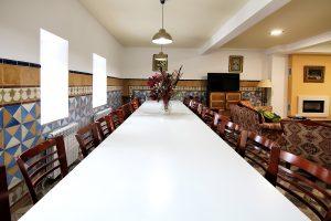 Comedor-casa-rural-el-Guardes-de-Sierra-Baja-Otero-de-Herreros-Segovia