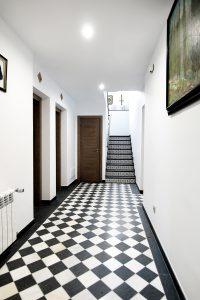 Escaleras-casa-rural-el-Guardes-de-Sierra-Baja-Otero-de-Herreros-Segovia