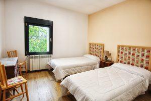 habitacion-dos-camas-casa-rural-el-Guardes-de-Sierra-Baja-Otero-de-Herreros-Segovia