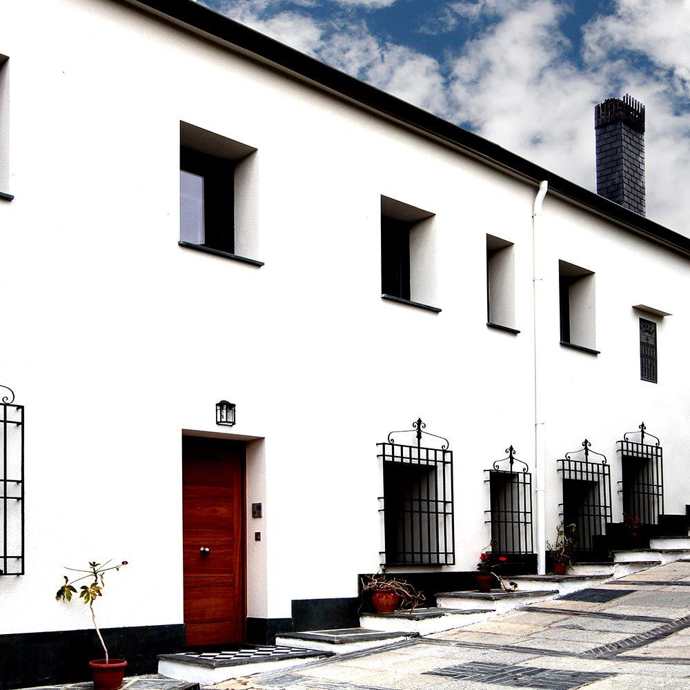 Fachada-Guardes-Sierra-Baja-Otero-de-Herreros-Segovia