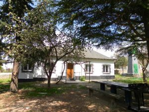 exterior-casa-rural-el-escribiente-sierra-baja-otero-de-herreros