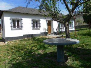 exterior-casa-rural-el-escribiente-sierra-baja-otero-de-herreros-segovia