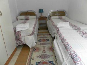 habitacion-triple-casa-rural-el-escribiente-sierra-baja-otero-de-herreros-segovia